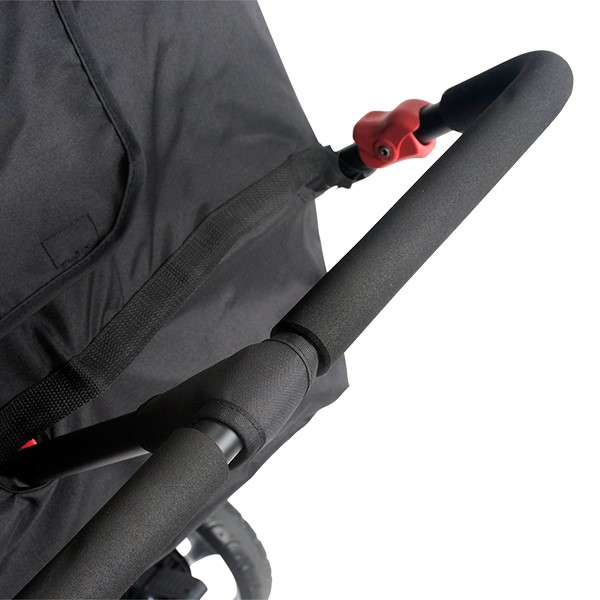 Quad Sport Stroller - Red - Ergonomic handle detail