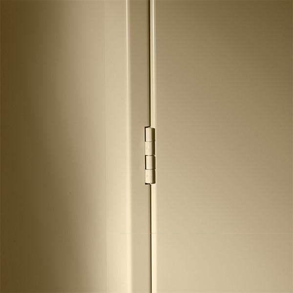 Deluxe Combination Cabinet w/ Glass Doors - Hinge detail
